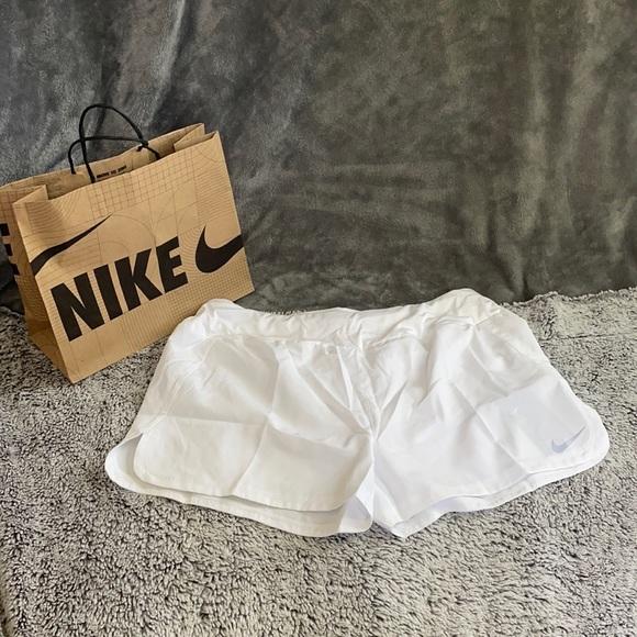 Nike Standard Fit Dry Short